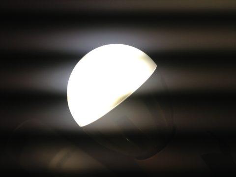 Полосы на экране мобильного от лампы с высоким коэффициентом пульсации