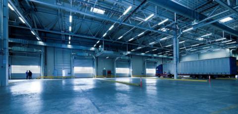 Совмещенное освещение складского помещения