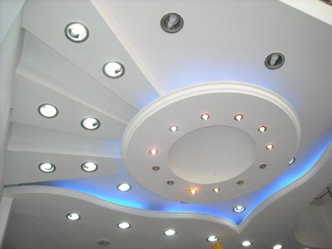 Освещение сложных потолков из гипсокартона