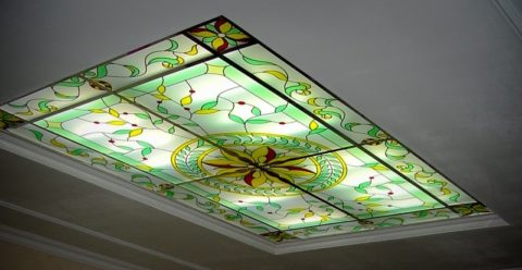 Витражная конструкция с подсветкой