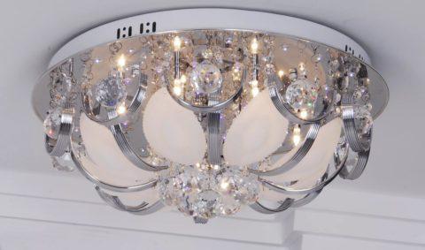 Люстра потолочная светодиодная с пультом – обилие стекла и металла